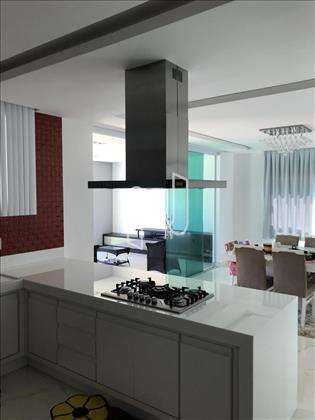 Cozinha com Copa Integrada e Mobiliada