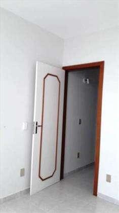 portas de excelente marcenaria.