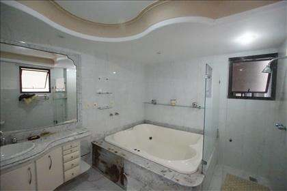Banheiro da Suíte 03