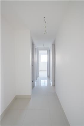 espaço para rouparia no corredor