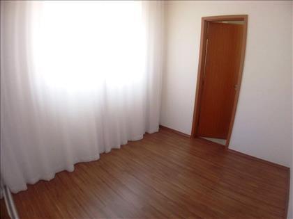 Quarto 01 -  Com cortinas novas  e Suíte