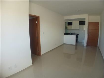 Sala para 2 ambientes e piso em porcelanato