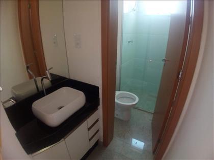 Banho Social com armário embutido