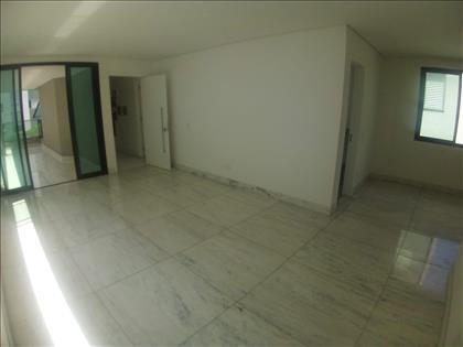 Sala para 2 ambientes integrada com a varanda