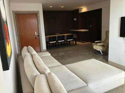 sala com 02 ambientes (estar e copa)