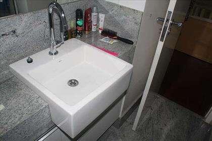 Banheiro (Semi suíte)