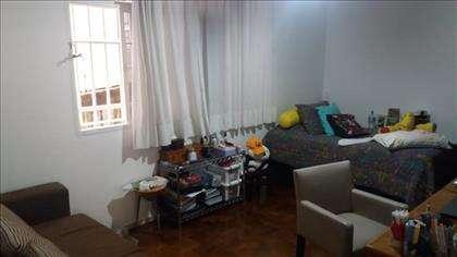 sala 2 ambientes, atualmente sendo  quarto