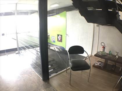 Escada lance garagem e escritório
