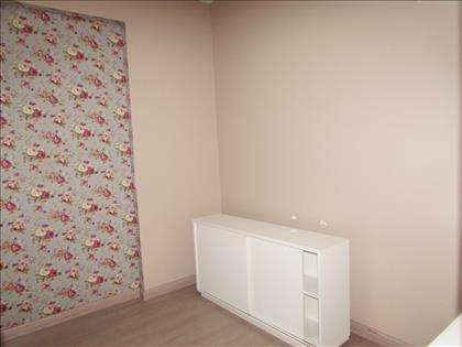 Sala 01 com armários