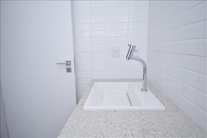 Banheiro suíte com cuba Deca