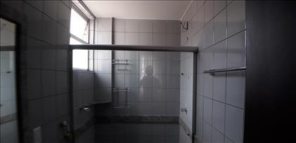 Banho da suíte - ângulo 2