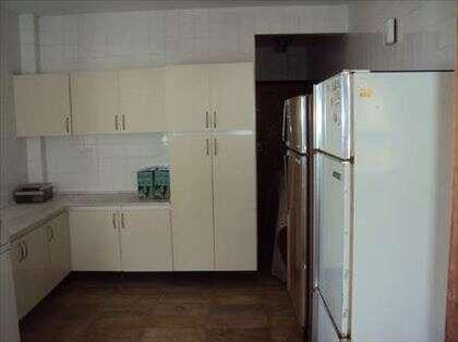 Área de serviço com armário