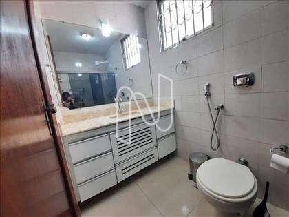 Banho social com armários