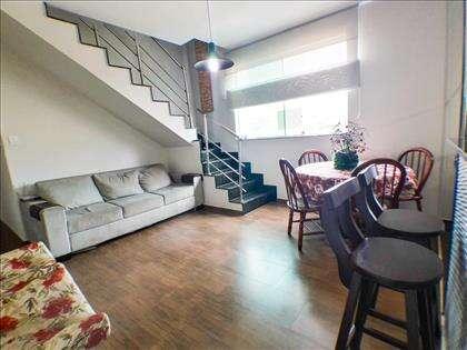 Sala Ampla Com Escada Em Granito
