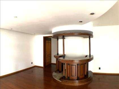 Sala com decoração em gesso e Barzinho