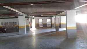 Garagem com 4 vagas livres