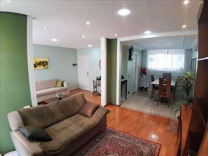Vista do quarto integrado à sala e a copa
