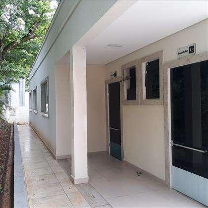 salão de festas, área externa e banheiros