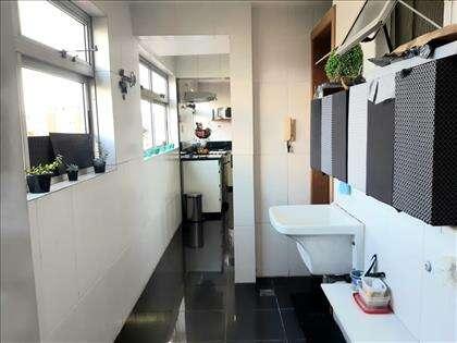 Área de Serviço e Banho Empregada