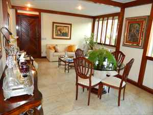 Sala de estar - 1º pavimento - ângulo 2