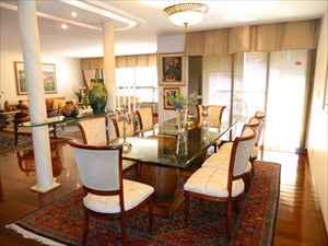 Sala de jantar ângulo 2