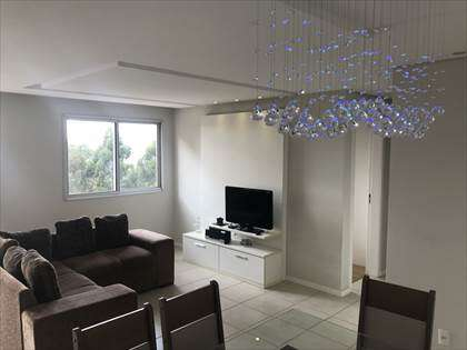 Sala com iluminação planejada