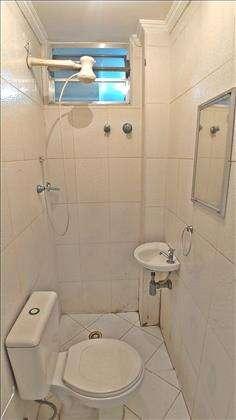 Banheiro na Área de Serviço