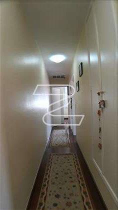 Corredor: acesso aos Dormitórios e Banheiros