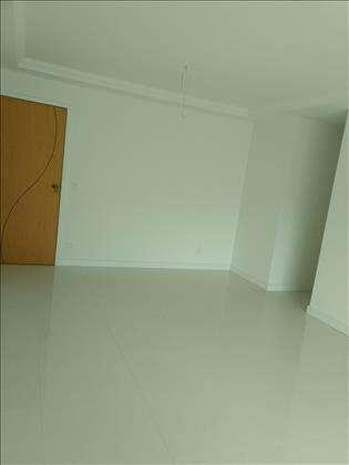 Salão piso em porcelanato
