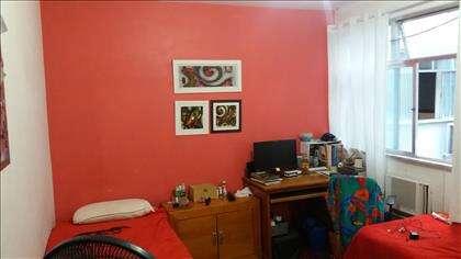 imagem do mesmo quarto