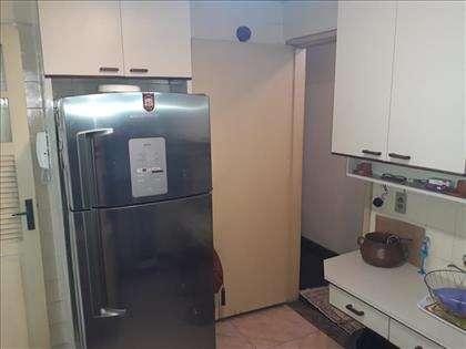 Cozinha com armários embutidos