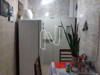 Cozinhacom despensa e armários