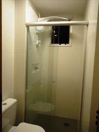09 - Banheiro Semi Suítes com ventilação nat