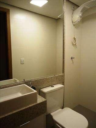 10 - Banheiro Social com armários planejados