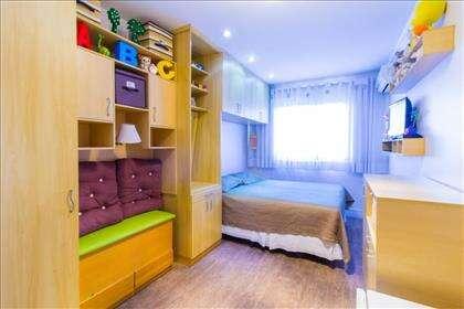 15 - Quarto 1 com armários planejados.jpg
