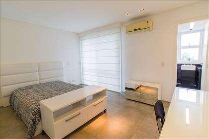 22 - Suíte 02 piso superior com ar condicion