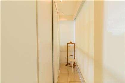11 - Closet Suíte Master.jpg