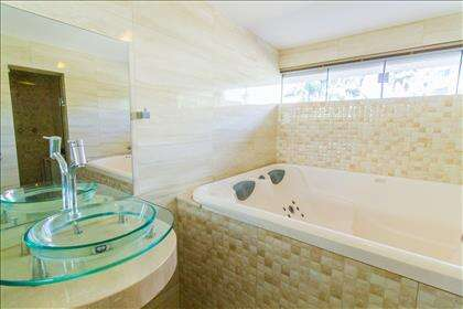 22 - Banheiro da suíte