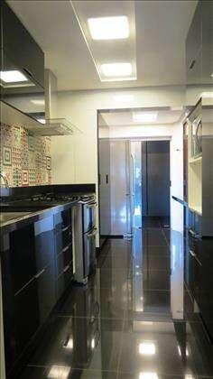 14 - Cozinha com bastante armários