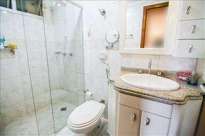 12 - Banheiro Suíte 01 - Com armários planej