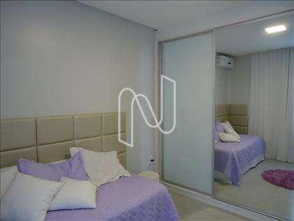 14- Quarto 01 com armários planejados