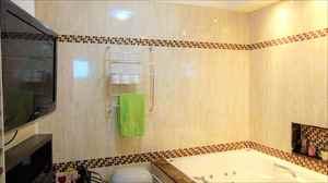 Banheiro da suíte principal.