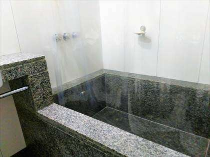 Banheiro estilo americano.