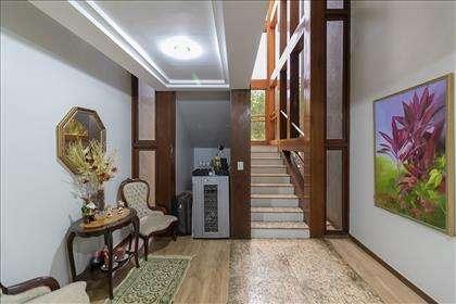 Hall e escadas