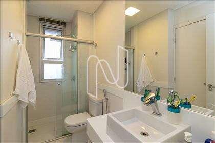 Banheiro semi-suítes