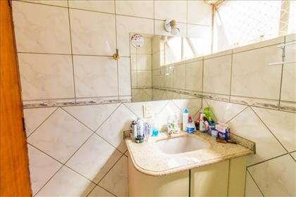 Banheiro outro ângulo