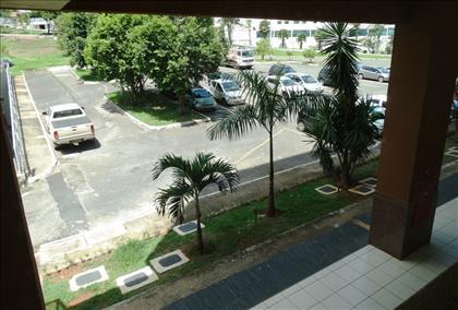 Vista do Apto para estacionamento público