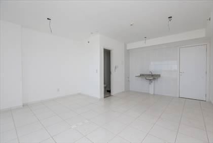 Sala, banheiro e cozinha
