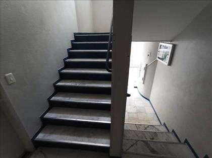 Apenas um andar de escada