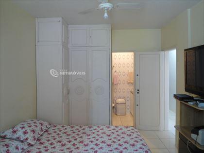 Suite de casal com armário